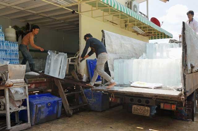 Bangkok ice men