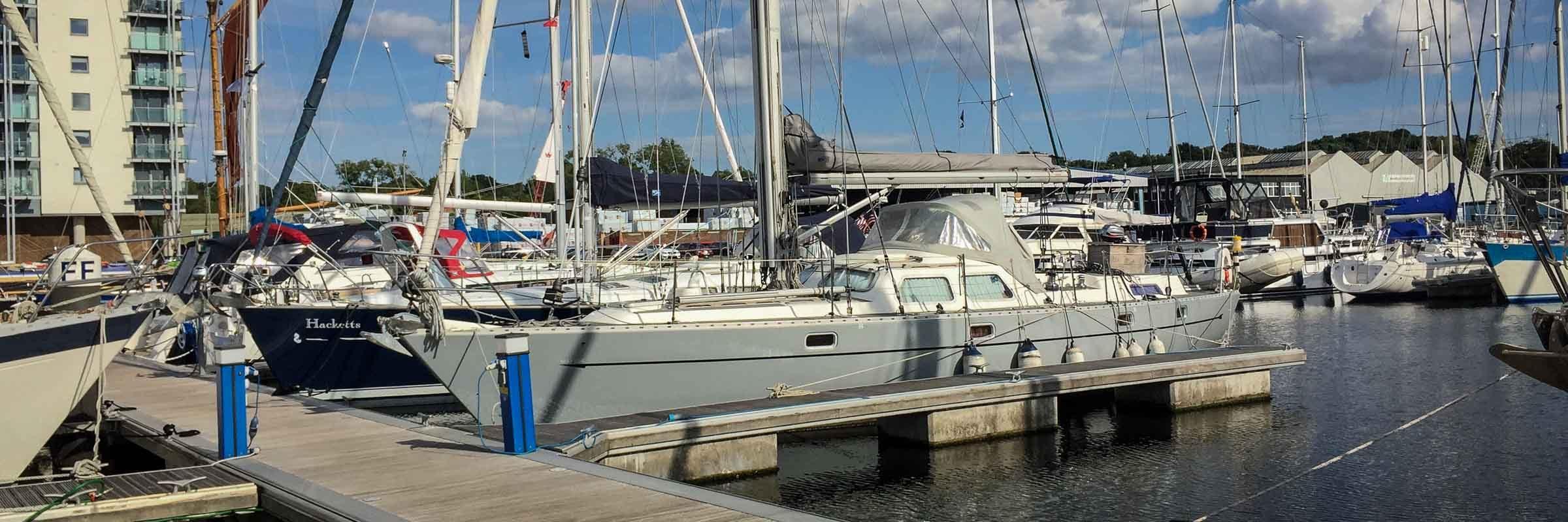 Oyster 435 yacht in Ipswich marina