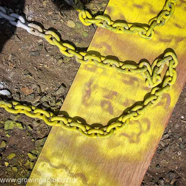 Anchor chain painting